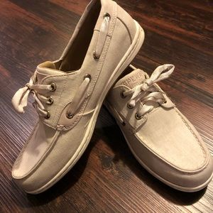 Sperry Boat Shoes (Brand New)